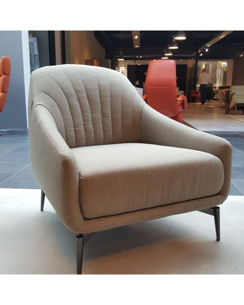 Natuzzi Editions fauteuil Adele stof Showroom